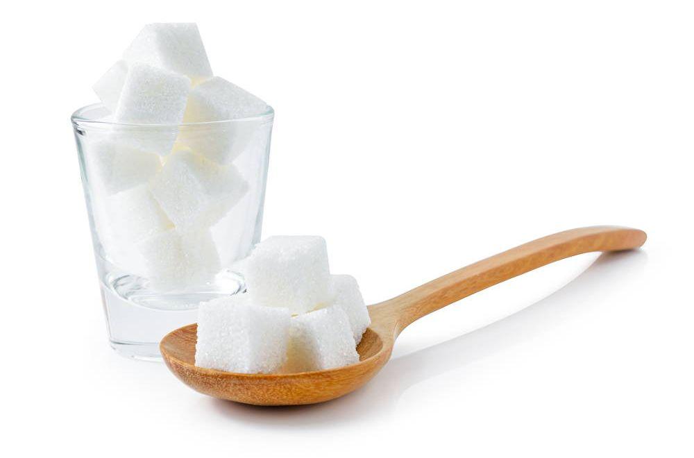 Saharoza w kostkach podnosząca poziom glukozy w krwiobiegu